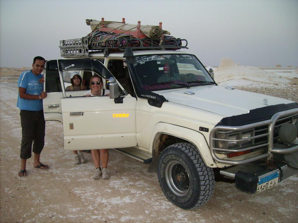 Vehículo en el que hicimos la excursión por el Desierto Blanco.