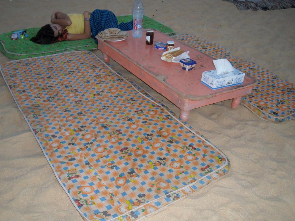 Desayuno en el Desierto Blanco.
