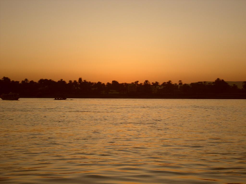 Paseo en faluca por el Nilo.