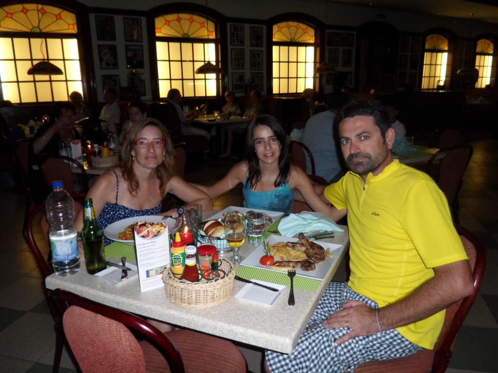 Cena en el Hotel Marítim Jolie Ville Golf Resort.