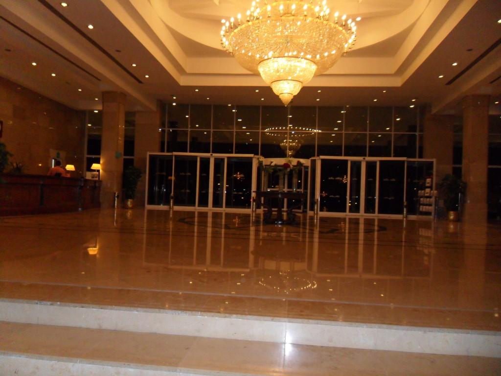 Hall del Hotel Marítim Jolie Ville Golf Resort.