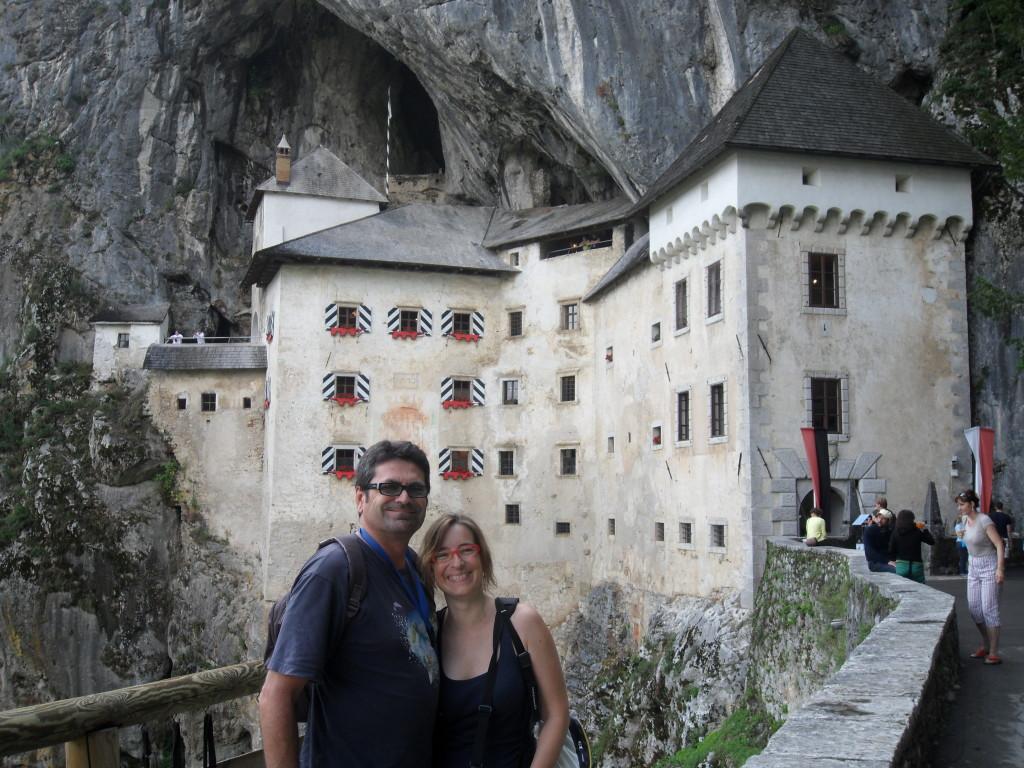 Castillo de Predjama, en Postojna, Eslovenia.