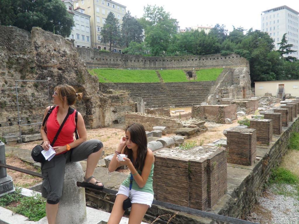 Ruinas romanas en Trieste, Italia.