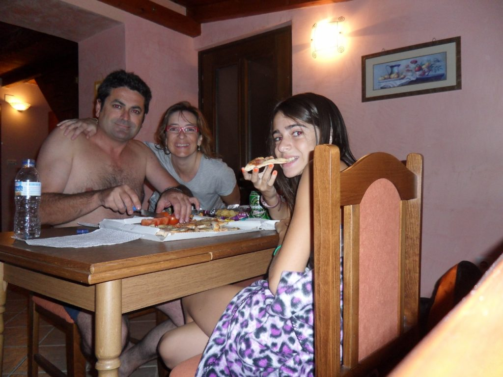 Cenando en el apartamento de Rovinj, en Croacia.