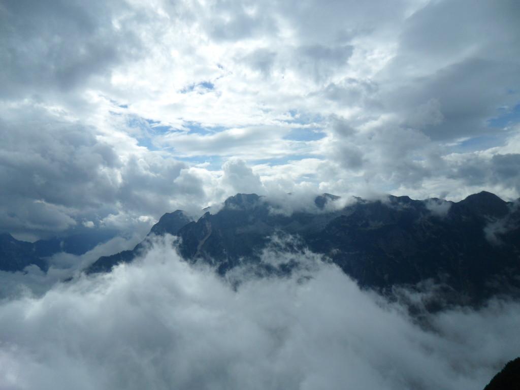 Vistas desde la cima de la Cueva de Hielo de Eisriesenwelt, Austria.