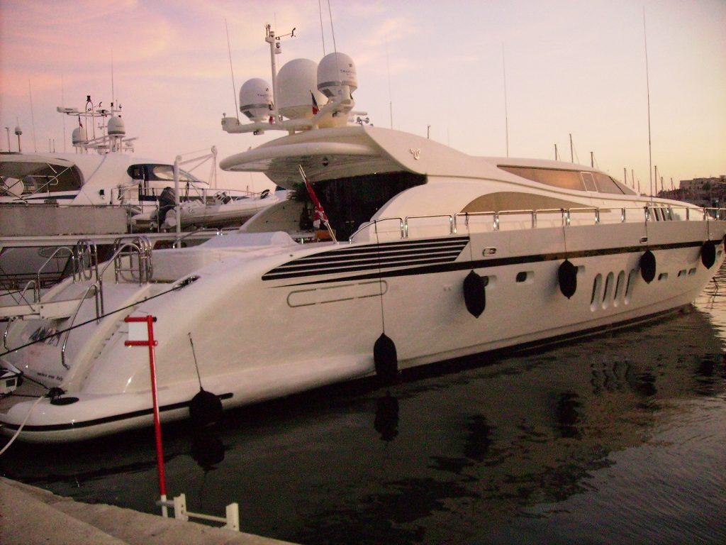 Puerto de Cannes, en la Costa Azul.